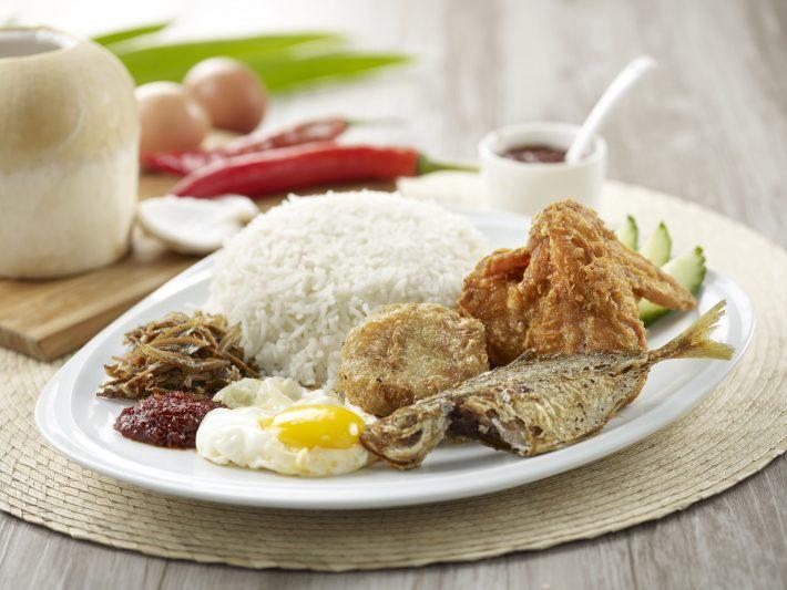 Set-E-6.90-Royal-Rumble-Meal-Nasi-Lemak-with-Chicken-Wing-Bergedil-Fish